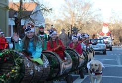 Kids on a float in the Holiday Parade
